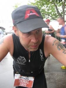 En sliten Thomas vid varvning på löpningen